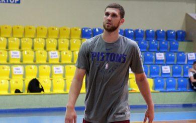 Святослав Михайлюк дебютував за Торонто