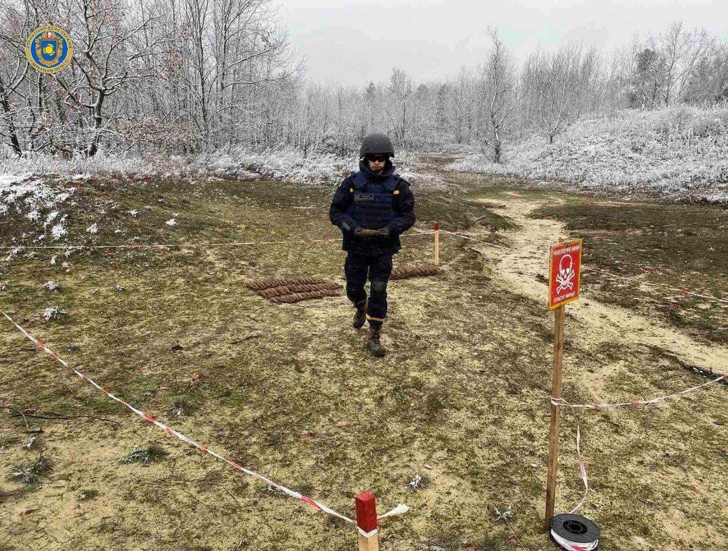 Біля села на Черкащині знайшли понад сотню боєприпасів