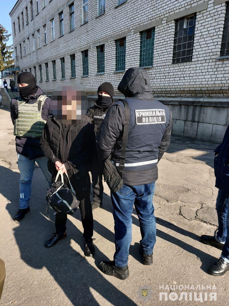 Азербайджанця-нелегала, який жив в Умані, видворили з України