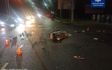 Водій скутера, який днями потрапив у ДТП в Черкасах, помер (Фото)