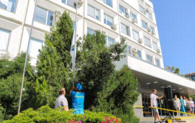 У центрі Черкас підняли Олімпійський прапор (Фото)