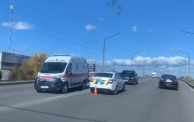 У Смілі зіштовхнулися авто і мотоцикл: водій двоколісного – в комі (Відео)